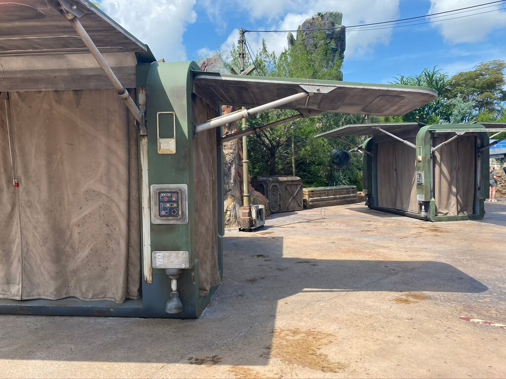 One of the Galaxy's Edge frequently asked questions is when will the resistance shop reopen?
