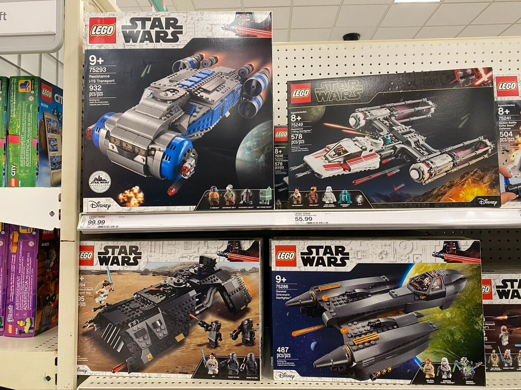 New merchandise was added to Target and Tatooine Traders. We spotted several of the new LEGO summer 2020 sets at our local Target.