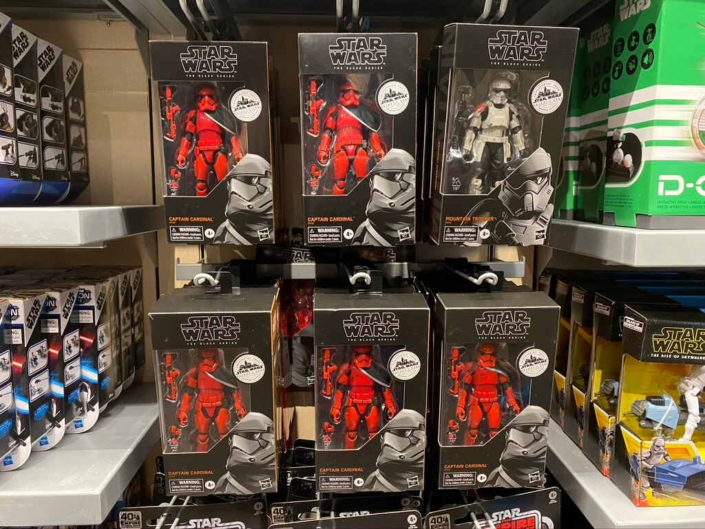 Target Galaxy's Edge collection figures found at Hollywood Studios.