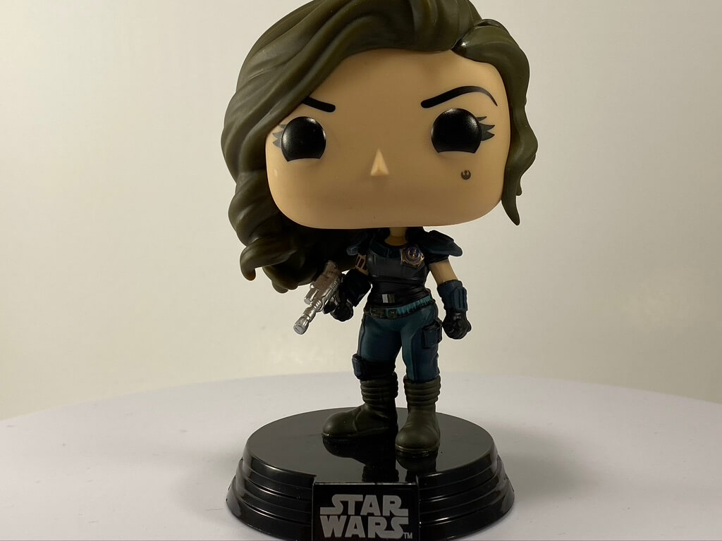 The New Cara Dune Funko POP! features a New Republic Badge.
